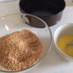 Ingrediente pentru blat de cheesecake cu caise și ciocolată