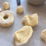Aluat crud pentru papanași prăjiți cu smântână și dulceață